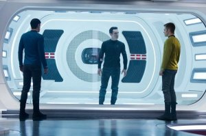 star-trek-into-darkness-quinto-cumberbatch-pine-600x399