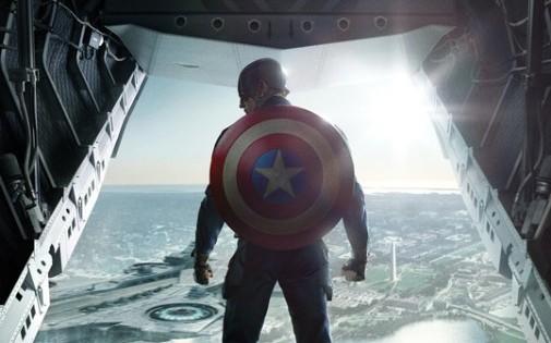 7769370930_l-affiche-du-deuxieme-volet-de-captain-america-a-venir-le-26-mars-prochain